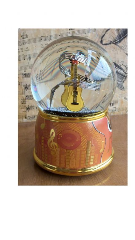 Guitars Musical  Snow Globe 11003